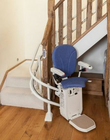 platinum_curved_stairlift